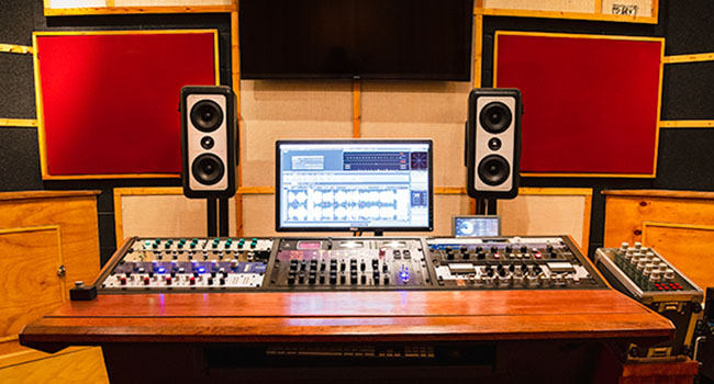 Audio Mastering Studio Photo with sound treatment and Barefoot MM27 Gen 2 speakers in the Kingston, New York